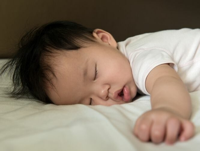 Here Are 6 Tips for Baby's Optimal Sleeping Posture