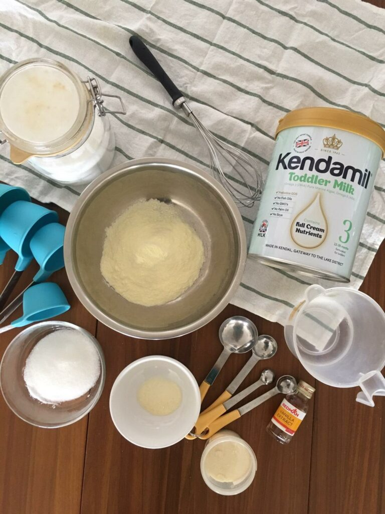 Kendamil Homade Ice Cream - dissolve gelatin, then mix with hot water
