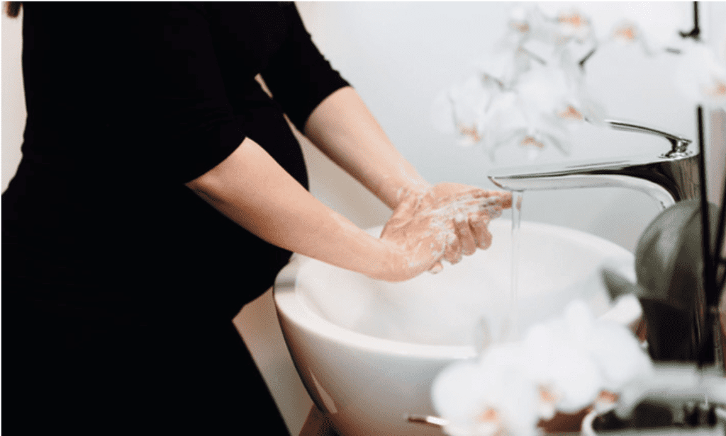 washing hands-pregancy during covid19