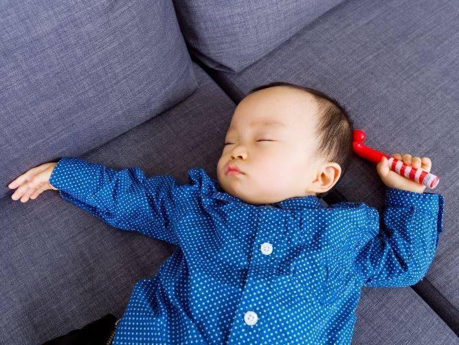 How to Cultivate Good Sleeping Habits for Baby by Dr Leo Hamilton