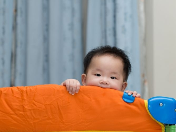 How To Fold Your Lucky Baby Smart System Safety Play Yard